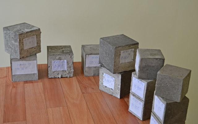 каждая партия бетона проходит лабораторные исследования